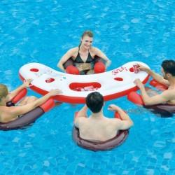Mesa y sillones acuáticos hinchables para piscina Fashion Water Bar